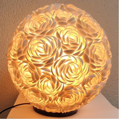 Schelpen tafellamp Roosjes Bol 25cm